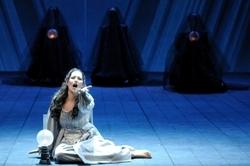 Нино Мачаидзе (Эльвира). Сцена сумасшествия II акта. Bepi Caroli / Teatro Comunale di Bologna