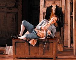 Керубино – Джойс Ди Донато. 'Свадьба Фигаро'. Метрополитен-опера (Фото Марти Сол)
