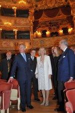 Британский Принц Чарльз и Герцогиня Корнуоллская Камилла в 'Ла Фениче'
