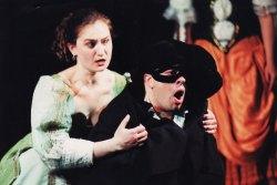 """Донна Эльвира - Наталия Тимченко. Сцена из спектакля """"Дон Жуан"""" В.А.Моцарта в Софийской опере (2002 год)"""
