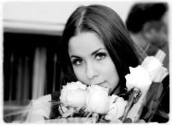 Что стало со звездой 9 -х Алисой Мон - Российская газета